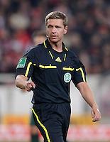 FUSSBALL  1. BUNDESLIGA  SAISON 2011/2012  31. SPIELTAG 13.04.2012 VfB Stuttgart - SV Werder Bremen Schiedsrichter Tobias Welz