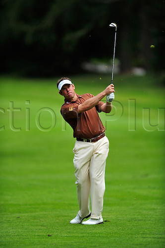 3rd September 2009 - Lee Westwood (ENG) hits a shot off the fairway during first round play at the Omega European Masters in Crans Montana, Switzerland.Photo: John Middlebrook/Actionplus. UK Licenses Only.