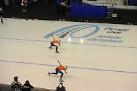 SCHAATSEN: CALGARY: Olympic Oval, 10-11-2013, Essent ISU World Cup, 1000m, Margot Boer (NED), Laurine van Riesen (NED), ©foto Martin de Jong