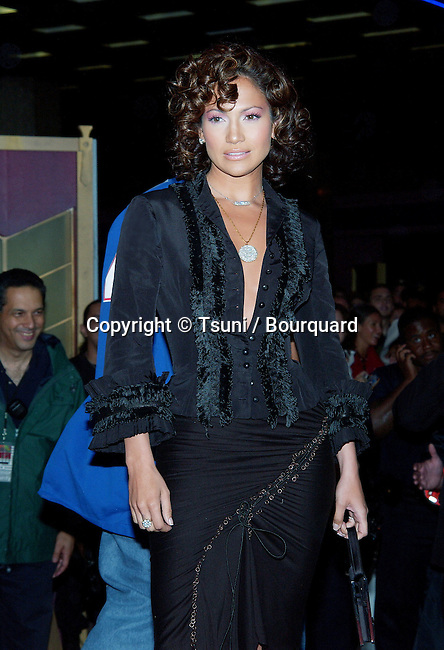 Jennifer Lopez arriving at the 2002 MTV Video Music Awards at the Radio City Music Hall in New York. August 29, 2002.           -            LopezJennifer05A.jpg