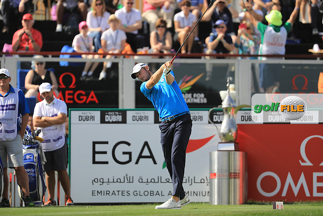 Chris Wood (ENG) on the 1st during the final round of the Omega Dubai Desert Classic, Emirates Golf Club, Dubai,  United Arab Emirates. 05/02/2017<br /> Picture: Golffile | Fran Caffrey<br /> <br /> <br /> All photo usage must carry mandatory copyright credit (&copy; Golffile | Fran Caffrey)