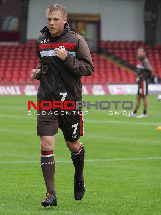 2.Liga FBL 2009/2010  Testspiel<br /> FC St.Pauli vs. Heart of Midlothian 2:0 (1:0)<br /> <br /> <br /> Rouwen Hennings (Nr.7)<br /> <br /> Foto &copy; nph (nordphoto)<br /> <br /> *** Local Caption ***