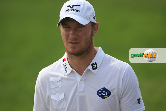 Chris Wood walks up to the 11th tee during Thusday Day 1 of the Abu Dhabi HSBC Golf Championship, 20th January 2011..(Picture Eoin Clarke/www.golffile.ie)