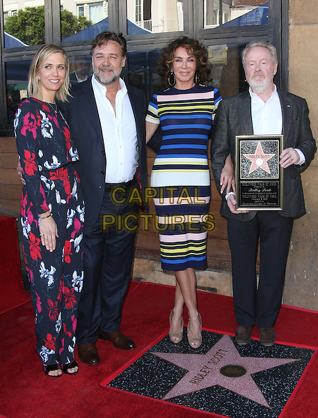 Hollywood, CA - November 05 Kristen Wiig, Russell Crowe, Giannina Facio, Ridley Scott Attending Ridley Scott Honored With Star On The Hollywood Walk Of Fame At On The Hollywood Walk Of Fame On November 05, 2015. <br /> CAP/MPI/FS<br /> &copy;FS/MPI/Capital Pictures