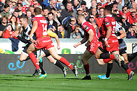 George North of Ospreys scores his sides second try during the Guinness Pro14 Round 6 match between Scarlets and Ospreys at the Parc Y Scarlets in Llanelli, Wales, UK. October 06, 2018