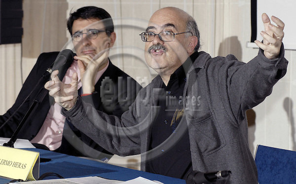 Brussels-Belgium - 21 February 2008---Guillermo HERAS (ri), Director of Iberescena (theater, Spain), during a presentation on Spanish theater; with Paco de BLAS (le), Jefe de Cultura del Instituto Cervantes---Photo: Horst Wagner / eup-images