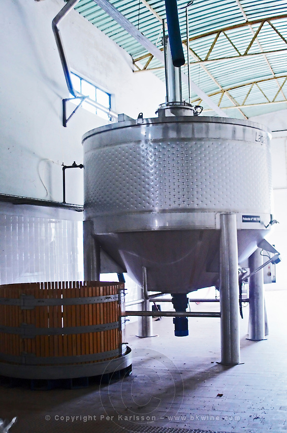 stainless steel fermentation tank roquevale alentejo portugal