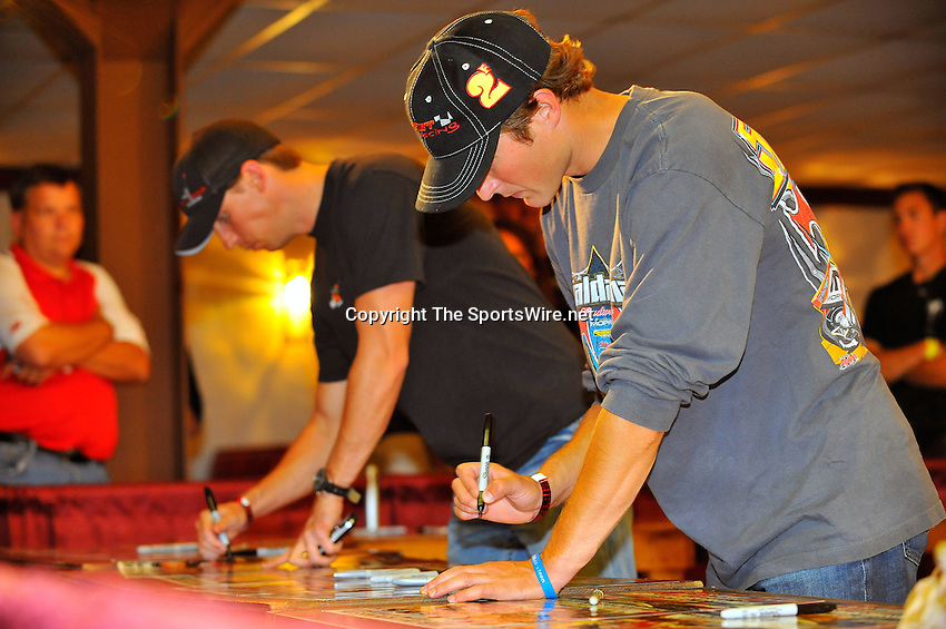 Sep 9, 2009; 4:05:51 PM; Rossburg, OH., USA; The 5th Annual All-star race with NASCAR and other drivers competing in Dirt Late Models of the Prelude to the Dream event running at the Eldora Speedway.  Mandatory Credit: (thesportswire.net)