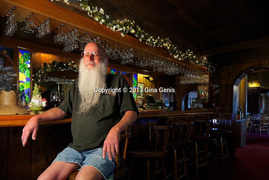 Jeff Metzler at the bar of the Gastrognome restaurant