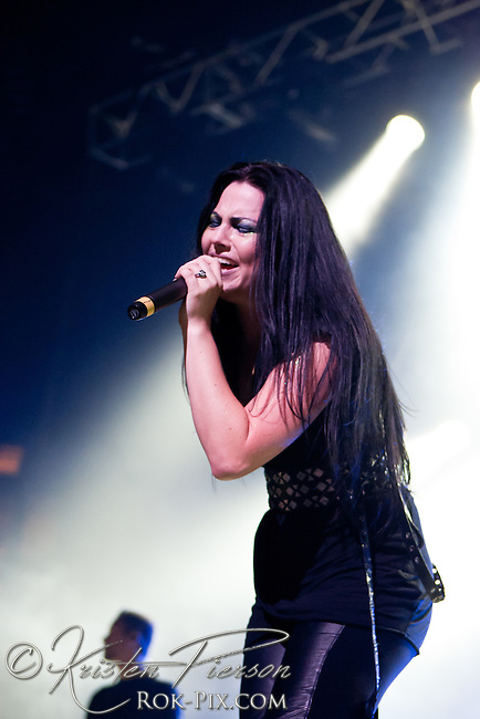 Carnival of Madness: Evanescence perform at Mohegan Sun Arena on August 30, 2012 DO NOT COPY OR REPRODUCE!