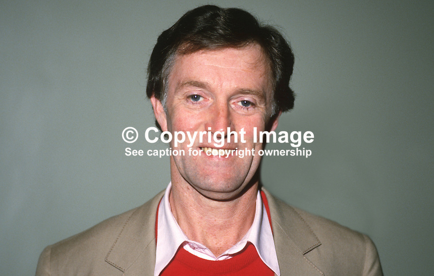 Professor Jim Riordan, UK, academic, novelist, broadcaster, association football player and Russian scholar, 19880104JR..Copyright Image from Victor Patterson, 54 Dorchester Park, Belfast, UK, BT9 6RJ..Tel: +44 28 9066 1296.Mob: +44 7802 353836.Voicemail +44 20 8816 7153.Skype: victorpattersonbelfast.Email: victorpatterson@me.com.Email: victorpatterson@ireland.com (back-up)..IMPORTANT: If you wish to use this image or any other of my images please go to www.victorpatterson.com and click on the Terms & Conditions. Then contact me by email or phone with the reference number(s) of the image(s) concerned.