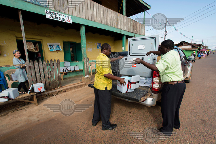 Polio vaccines being delivered to a health centre that will function as a distribution point in Akim Oda during a National Immunisation Days (NID) polio eradication campaign.