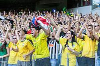 BELO HORIZONTE, MG, 26 JUNHO 2013 - COPA DAS CONFEDERACOES -  BRASIL X URUGUAI -  Torcida comemorando gol de Paulinho durante partida contra o Uruguai, jogo válido pelas Semi-finais da competição, no Estadio Mineirao em Belo Horizonte, Minas Gerais nesta Quarta, 26 (FOTO: NEREU JR / BRAZIL PHOTO PRESS).
