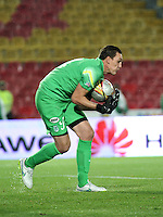 BOGOTA - COLOMBIA -27 -01-2015: Franco Armani, portero de Atletico Nacional, en accion durante partido de vuelta entre Independiente Santa Fe y Atletico Nacional por la Super Liga 2015, en el estadio Nemesio Camacho El Campin de la ciudad de Bogota.  / Franco Armani, goalkeeper of Atletico Nacional, in action during the match between Independiente Santa Fe and Atletico for the second leg of the Super Liga 2015 at the Nemesio Camacho El Campin Stadium in Bogota city. Photo: VizzorImage / Luis Ramirez / Staff.