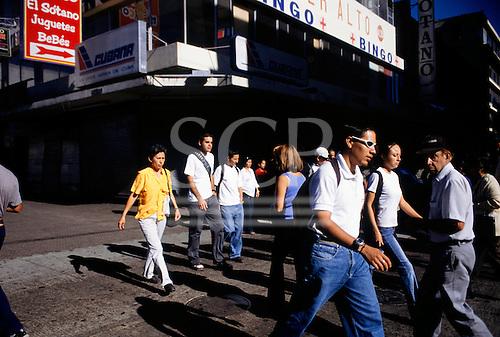 San Jose, Costa Rica. Pedestrians on the pedestrianised Avenida Central.