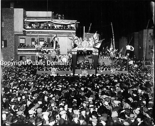 Wilfrid Laurier a Montreal, 27 septembre 1916.<br />  <br /> Photographer: Montreal Standard Publishing Company