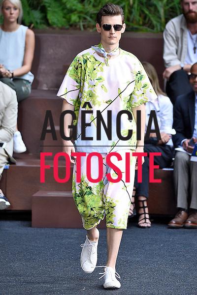 Issey Miyake Men-<br /> Paris Menswear-Ver&atilde;o 2016- Junho 2015