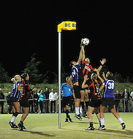 KORFBAL: GROU: Sportpark Meinga, 13-09-2012, Mid-Fryslân - SCO, Eindstand 12-10, ©foto Martin de Jong