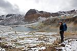montée vers Dolomite pass au nord de Lake louise..