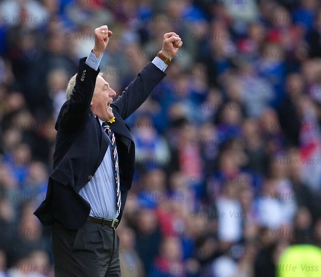 Walter Smith celebrates at the final whistle