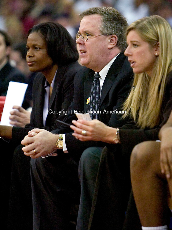 FRESNO, CA. 26 March 2007-032607SV22--LSU Coach Bob Starkey leads his team to a victory over UConn in the elite eight round of the NCAA tournament at the Save Mart Center in Fresno, CA. Monday. Starkey took over when Head Coach Pokey Chatman resigned.<br /> Steven Valenti Republican-American