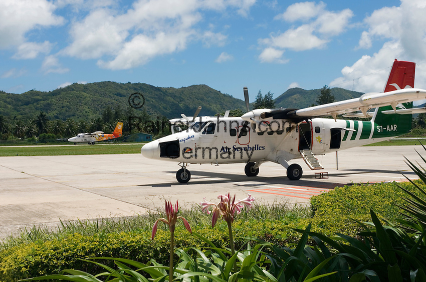 Seychelles, Island Praslin, airstrip: perfect for island hopping, aircraft of Air Seychelles