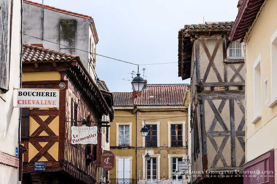 France, Villeneuve-sur-Lot. Old town by the Lot River.