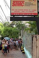 CAMPINAS, SP 28.02.2018-SERVIDORES- Servidores públicos de Campinas (SP) formaram uma fila nesta quarta-feira (28) em frente a sede do sindicato, que fica na Rua Joaquim Novaes, no Cambuí, para suspenderem o pagamento da contribuição sindical. (Foto: Denny Cesare/Codigo19)
