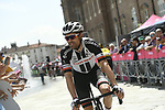 Tom Dumoulin (NED) Team Sunweb at sign on before the start of Stage 19 of the 2018 Giro d'Italia, running 185km from Venaria Reale to Bardonecchia featuring the Cima Coppi of this Giro, the highest climb on the Colle delle Finestre with its gravel roads, before finishing on the final climb of the Jafferau, Italy. 25th May 2018.<br /> Picture: LaPresse/Fabio Ferrari | Cyclefile<br /> <br /> <br /> All photos usage must carry mandatory copyright credit (&copy; Cyclefile | LaPresse/Fabio Ferrari)