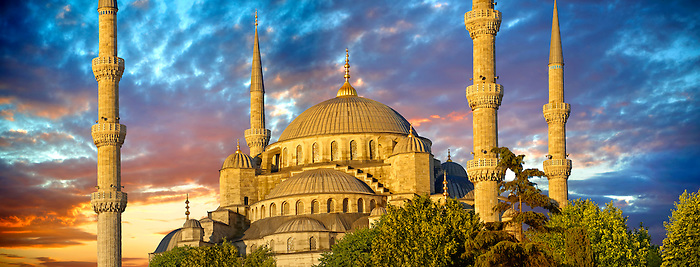 The Sultan Ahmed Mosque (Sultanahmet Camii) or Blue Mosque, Istanbul, Turkey at sunset. Built from 1609 to 1616 during the rule of Ahmed I.