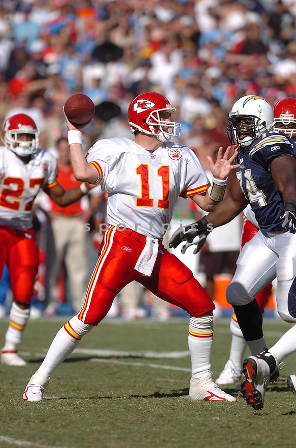 DAMON HUARD,  of the Kansas City Chiefs , in action during the Chiefs game against the San Diego Chargers in San Diego, CA on September 30, 2007...The Chiefs win 30-16.