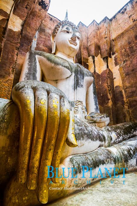 Buddha statue, Wat Sri Chum, Sukhothai Historical Park, Thailand