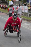 BELO HORIZONTE, MG - 01.12.2013 - XV VOLTA INTERNACIONAL DA PAMPULHA -  Cadeirantes na XV Volta Internacional da Pampulha, neste domingo (01), <br /> a corrida tem um percurso de 18 km (Foto: Marcos Fialho/Brazil Photo Press)