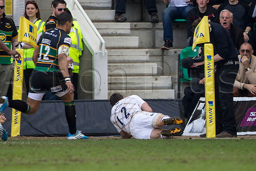 29.03.2014.  Northampton, England.  Anthony ALLEN of Leicester Tigers score in the corner during the Aviva Premiership match between Northampton Saints and Leicester Tigers at Franklin's Gardens.  Final score: Northampton Saints 16-22 Leicester Tigers.