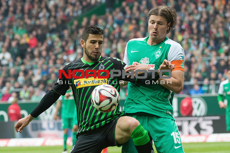 16.05.2015, Weser Stadion, Bremen, GER, 1.FBL. Werder Bremen vs Borussia Moenchengladbach, im Bild<br /> <br /> Alvaro Dominguez (Borussia M&ouml;nchengladbach) Sebastian Pr&ouml;dl / Proedl (Bremen #15)<br /> <br /> Foto &copy; nordphoto / Kokenge