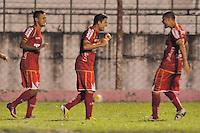 ATENÇÃO EDITORES FOTO EMBARGADA PARA VEÍCULOS INTERNACIONAL - ESPORTES - FUTEBOL - CAMPEONATO PAULISTA A2 2013 - SÃO PAULO, 13 DE MARÇO DE 2013 - PORTUGUESA X  AE VELO CLUBE  Heverton (C) comemora com Souza (E) Marcelo Cordeiro (D) após marcar seu gol durante partida entre a equipe do AE Velo Clube, válida pela 15ª rodada do campeonato Paulista A2, no estádio Benedito Angelo Castelano, nesta quarta (13) as 20hs na cidade de Rio Claro, no interior do estado de SÃO PAULO. FOTOS: DORIVAL ROSA/ BRAZIL PHOTO PRESS