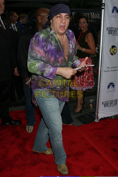 "LITTLE STEVEN.Arrivals At ""no Direction Home: Bob Dylan"" Premiere held at the Ziegfeld Theatre,.New York, 19th September 2005 .full length tie dye shirt denim jeans bandana head scarf.Ref: IW.www.capitalpictures.com.sales@capitalpictures.com.©Capital Pictures"