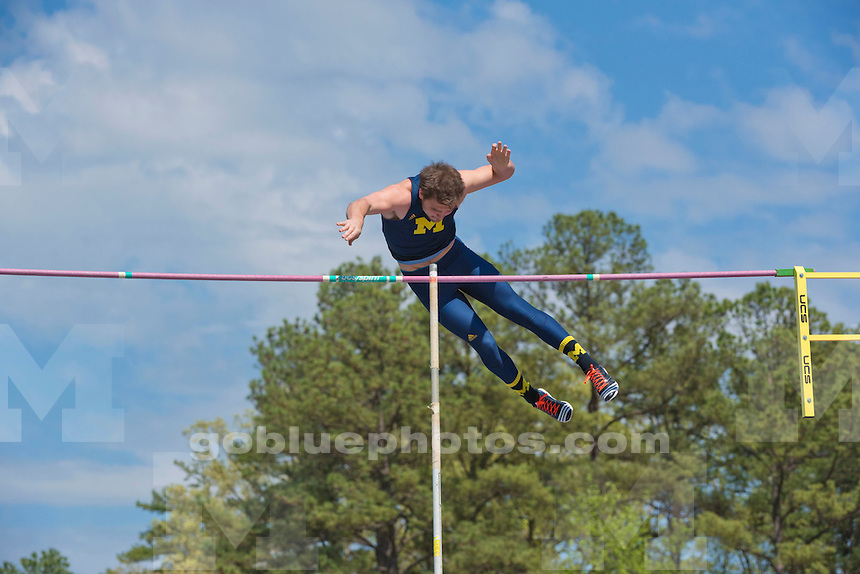 4/1/16 and 4/2/16 2015-16 Men's Track and Field compete during Battle of the Blues at Duke University in Durham, N.C.<br /> TFM 2015-16