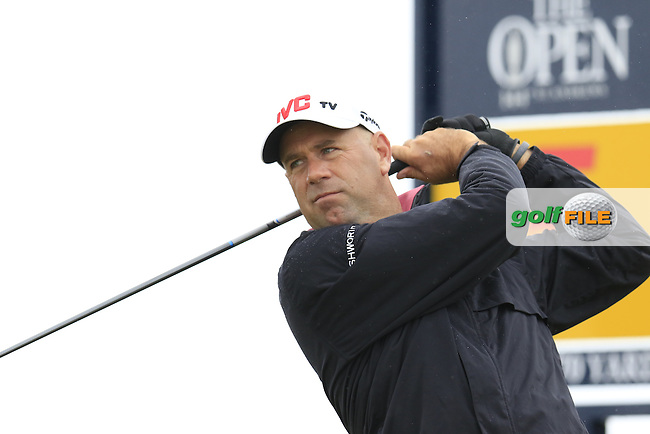 Stewart CINK (USA) tees off the 5th tee during Sunday's Round  of the 144th Open Championship, St Andrews Old Course, St Andrews, Fife, Scotland. 19/07/2015.<br /> Picture Eoin Clarke, www.golffile.ie
