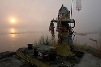 An altar along the Mekong at Chiang Khong, Thailande-2010