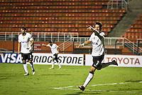 SÃO PAULO,SP,27 FEVEREIRO 2013 - COPA LIBERTADORES AMÉRICA 2013 - CORINTHIANS (Bra) x MILLONARIOS (Col) - Alexandre Pato jogador do Corinthians comemora gol durante partida Corinthians x Millonarios válido pela 2º rodada da Copa Libertadore América 2013 no Estádio Paulo Machado de Carvalho (Pacaembu) na noite desta quarta feira (27).FOTO ALE VIANNA - BRAZIL PHOTO PRESS.