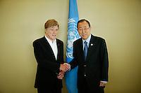 American actor Robert Redford (L) shakes hands with U.N. Secretary-General Ban Ki-moon before his address on climate change at U.N. headquarters in New York.  06/29/2015. Eduardo MunozAlvarez/VIEWpress
