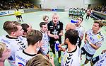 Stockholm 2014-09-18 Handboll Elitserien Hammarby IF - IFK Sk&ouml;vde :  <br /> Sk&ouml;vdes tr&auml;nare Joakim &Aring;gren under en timeout med Sk&ouml;vdes spelare Linus Lake , Kristian Svensson , Robin W&auml;rn , Alfred Ehn , Markus Stegefelt i matchen mot Hammarby<br /> (Foto: Kenta J&ouml;nsson) Nyckelord:  Eriksdalshallen Hammarby HIF HeIF Bajen IFK Sk&ouml;vde tr&auml;nare manager coach timeout diskutera argumentera diskussion argumentation argument discuss