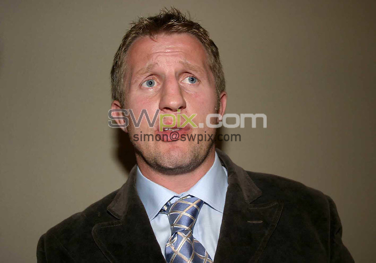 Pix: Chris Whiteoak/SWpix.com. Tetleys Super League Press Conference, Play-Off final Launch. 20/09/2004...COPYRIGHT PICTURE>>SIMON WILKINSON>>01943 608782>>..Wigan Coach Dennis Betts