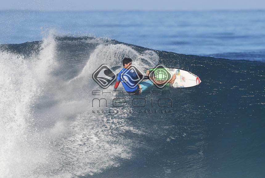 Brazil's Gabriel Medina.<br /> 2017 Billabong Pipe Masters, Oahu, Hawaii, USA. World Surf League (WSL). Monday 18 December 2017. &copy; Copyright photo: Andrew Cornaga / www.photosport.nz