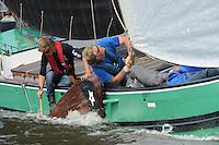 SKUTSJESILEN: HEEG: Hegemer Mar, 14-08-2012, IFKS skûtsjesilen, A-klasse, skûtsje Lytse Lies, peiler en fokkenist, ©foto Martin de Jong