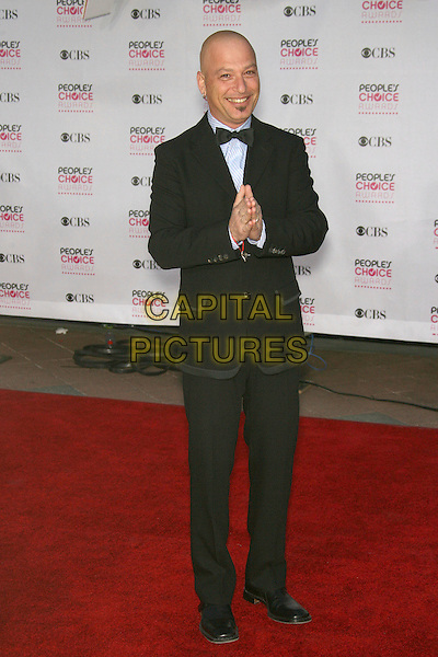 HOWIE MANDEL.The 33rd Annual People's Choice Awards - Arrivals held at The Shrine Auditorium, Los Angeles, California, USA..January 9th, 2007.full length black tuxedo hands together praying .CAP/ADM/ZL.©Zach Lipp/AdMedia/Capital Pictures