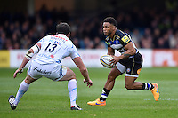 Kyle Eastmond of Bath Rugby in possession. Aviva Premiership match, between Bath Rugby and Exeter Chiefs on October 17, 2015 at the Recreation Ground in Bath, England. Photo by: Patrick Khachfe / Onside Images