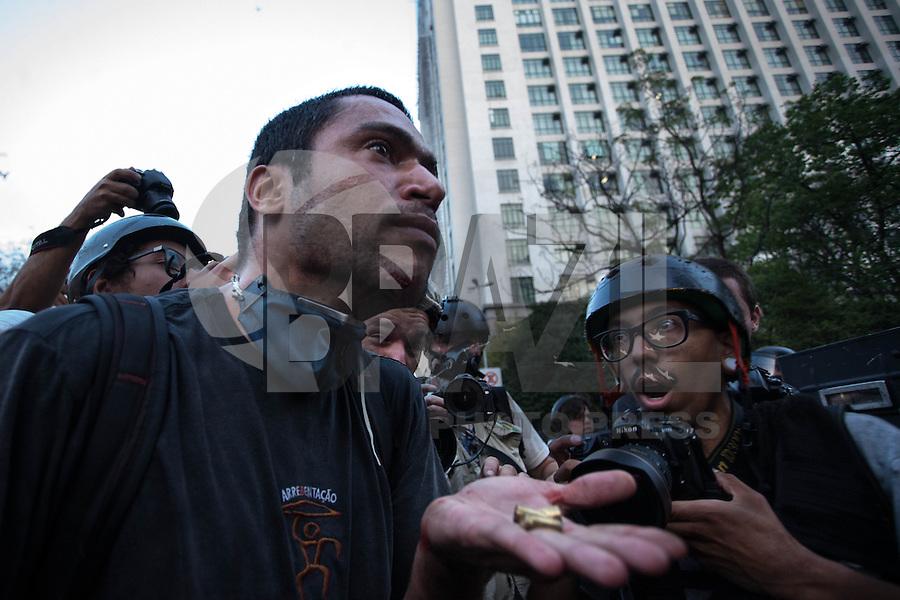 SAO PAULO, 07 DE SETEMBRO DE 2013,MANIFESTACAO EM SAO PAULO TERMINA EM CONFUSAO ,Manifestantes se encontraram na avenida Paulista seguiram sentido 23 de Maio e houve confronto com a Policia e Choque frente a Camara de Vereadores, FOTO: WARLEY LEITE/BRAZIL PHOTO PRESS