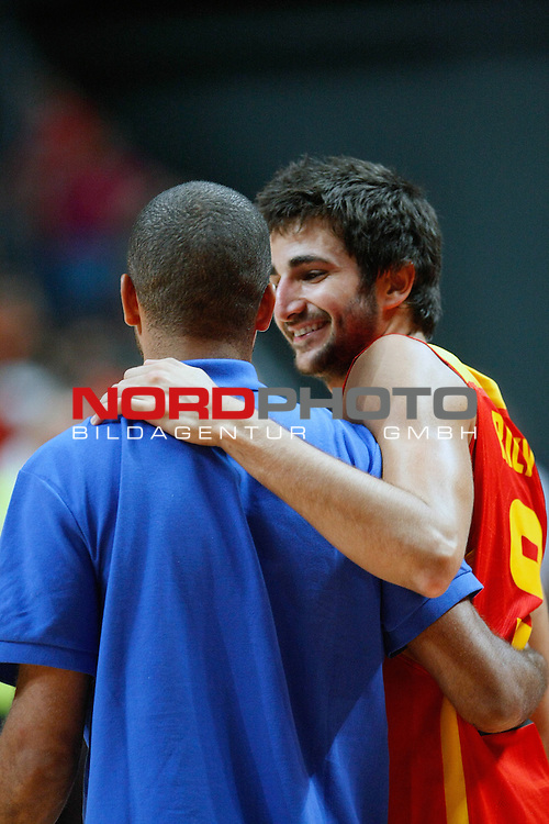 Spain's Ricky Rubio (r) and France's Tony Parker during friendly match.August 23,2012. Foto © nph / Acero)
